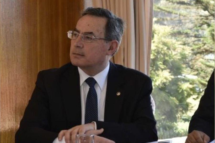 """""""Piñera designa a ex vicealmirante Gustavo Jordán como nuevo director de la ANI"""""""