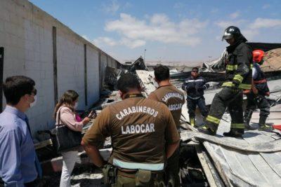 Encuentran cuerpo al interior de supermercado quemado en Arica