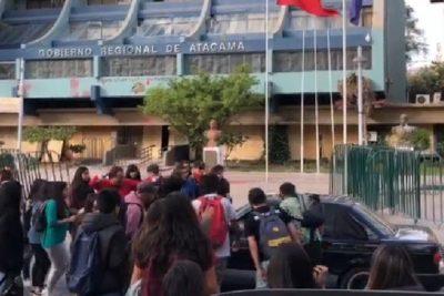 Formalizarán a conductor que atropelló a manifestantes en Atacama