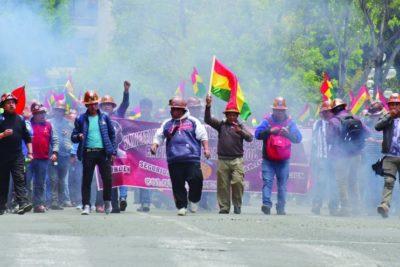 Tensión en Bolivia a horas que se cumpla el ultimátum para la renuncia de Evo Morales
