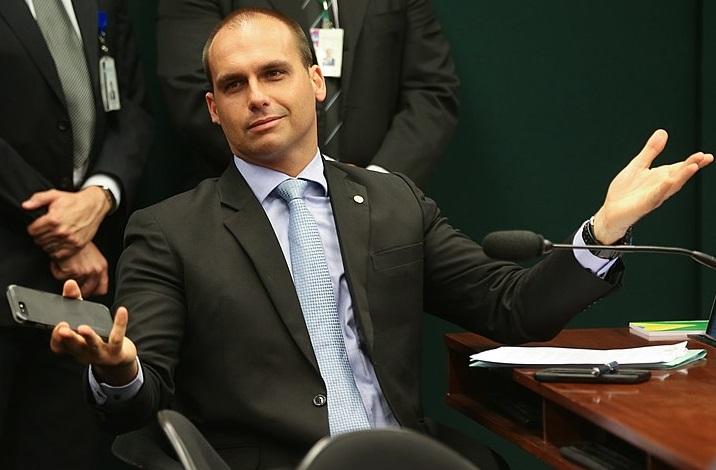 Familia Bolsonaro culpa a Leonardo Dicaprio de financiar incendios en la Amazonía