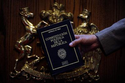 Pensiones, salud y corrupción: la verdadera influencia de la Constitución en las demandas sociales