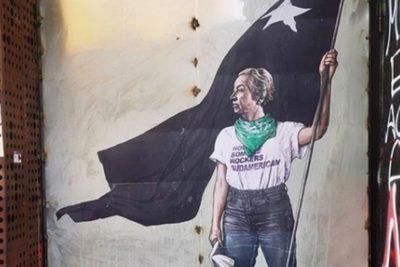 Qué tenía Gabriela Mistral del mural que la representó en la crisis