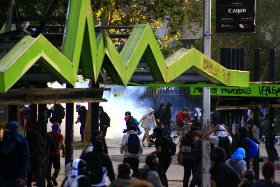 27 saqueos y 272 detenidos: el balance de Carabineros tras jornada de manifestaciones