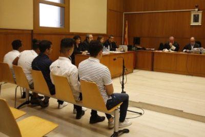 """España: violación grupal es sentenciada como abuso porquela víctima """"estaba inconsciente"""""""