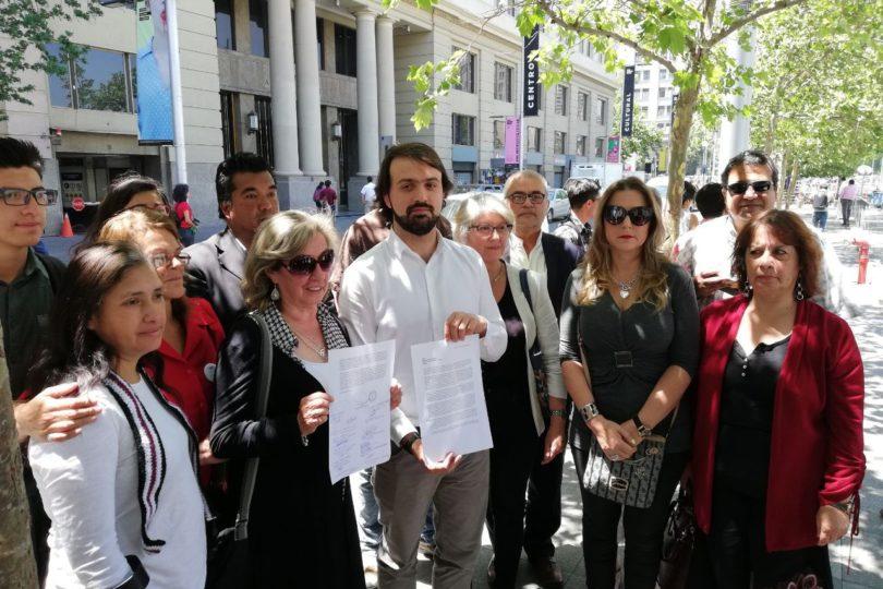 Alcalde Jorge Sharp traslada conflicto en Valparaíso hasta las puertas de La Moneda