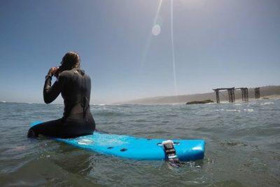 Llico: mirar, surfear y comer en el agua
