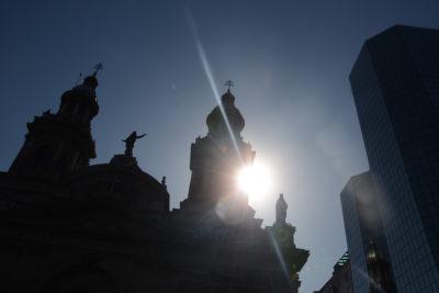 """Pronostican nueva """"ola de calor"""" para los próximos días: Región Metropolitana alcanzaría los 36º"""