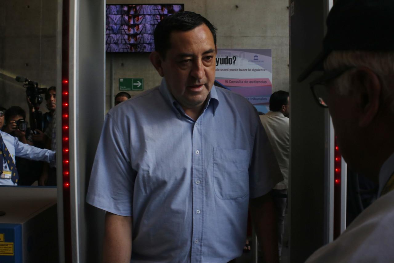 Presentó licencia médica: aplazan hasta marzo de 2020 juicio oral de ex sacerdote Óscar Muñoz
