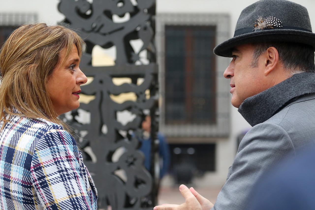 """Jacqueline Van Rysselberghe acusa a Desbordes de"