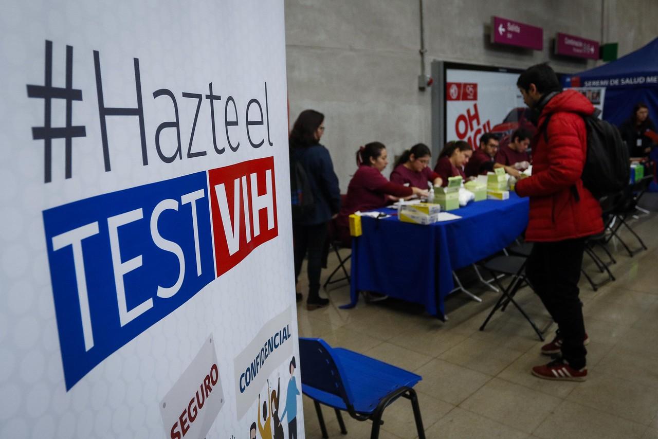 Valparaíso: Autoridades inician campaña de prevención y detección del VIH