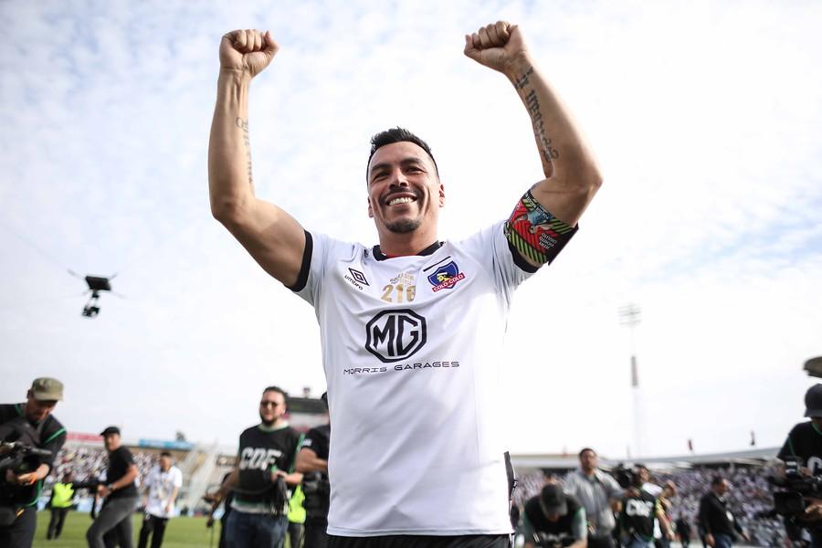 Va por el récord de Caszely: Esteban Paredes arregló su renovación en Colo Colo