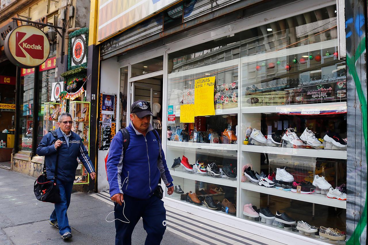 Cámara Nacional de Comercio revela que ventas minoristas de noviembre bajaron 18%