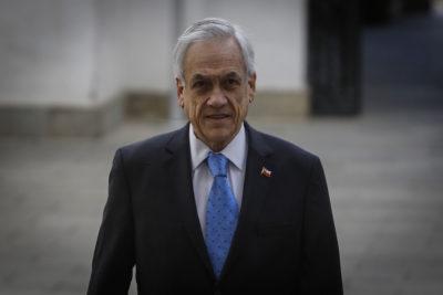 """Piñera expresa """"dolor y solidaridad"""" con familiares de víctimas de Hércules C130"""