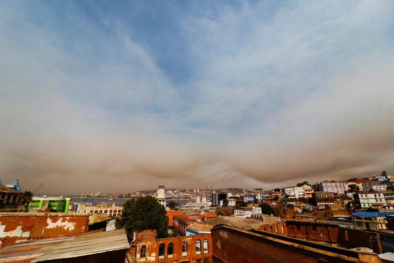 Labores para apagar incendio forestal continúan en Placilla
