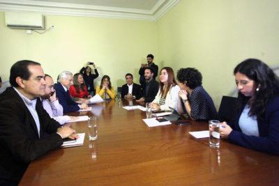 Nueva Constitución: oposición acusa que Chile Vamos está secuestrado por la UDI
