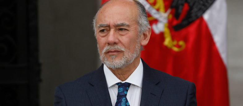 """Diputado Flores acusa """"porfía"""" del Gobierno por incluir """"temas que no corresponden"""" a agenda social"""