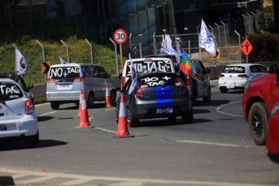 """Movimiento """"No + TAG"""" vuelve a bloquear calles y autopistas en Santiago"""