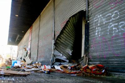 Militantes en saqueos y violencia: la otra crisis que deben enfrentar los partidos políticos