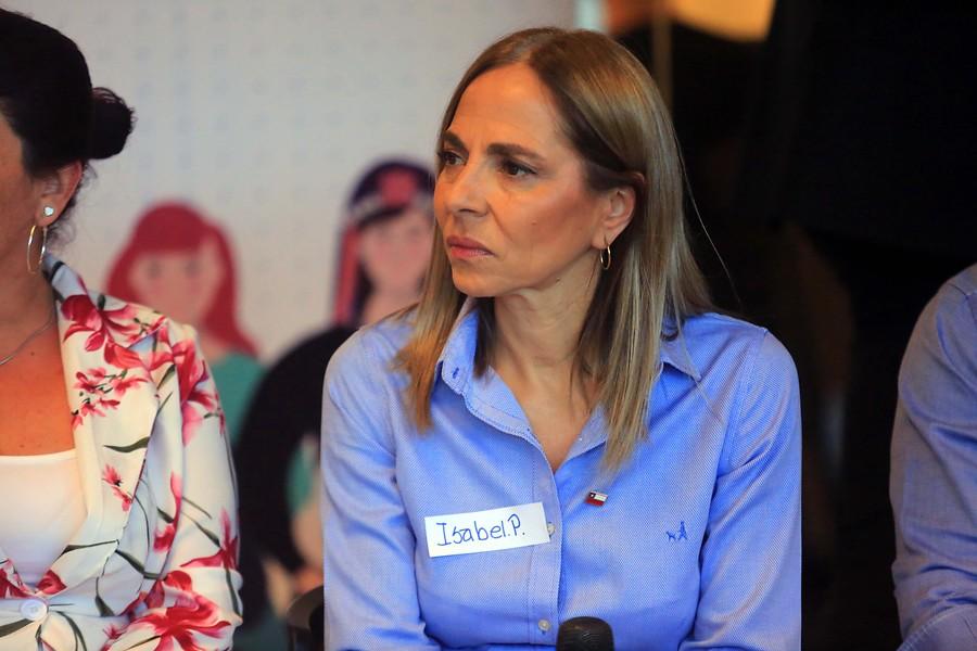 """Ministra Isabel Plá vuelve a referirse a Lastesis: """"Yo creo que Chile no es un macho violador"""""""