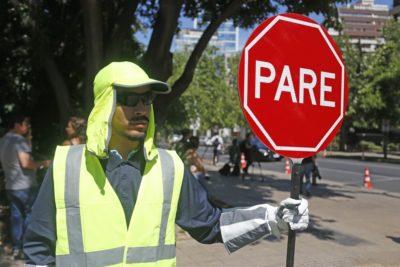 Santiago inició plan piloto de apoyo al control de tránsito por semáforos vandalizados