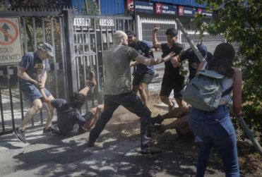 Vecinos de Las Condes por manifestaciones sociales