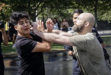 Enfrentamientos entre vecinos y manifestantes en La Condes
