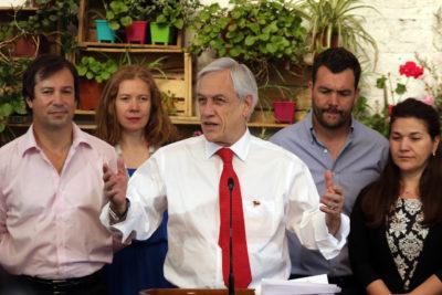 Piñera anuncia bono de $100 mil para más de un millón de familias de escasos recursos