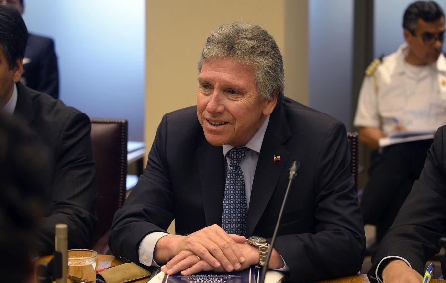 Comisión de Constitución del Senado aprobó en general proyecto sobre FF.AA.