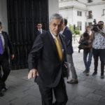 Piñera sale del aislamiento internacional: viaja a Argentina a cambio de mando