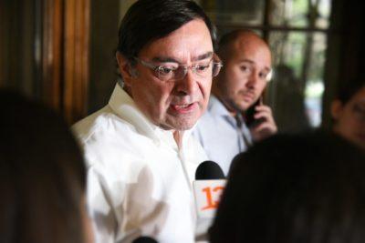 Intendente Felipe Guevara anuncia querella tras balacera en tenencia de Carabineros en La Granja