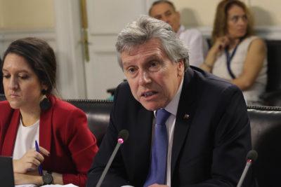 Espina defiende el actuar del Presidente Piñera durante el estallido social