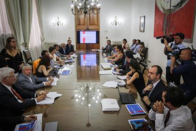 Consejo para reforma de Carabineros se reúne por primera vez en La Moneda