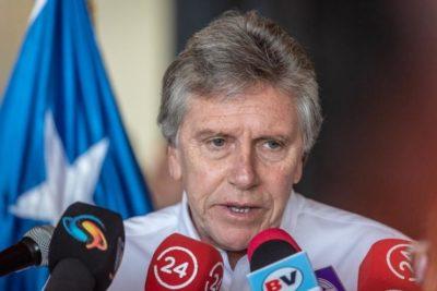 Ministro Espina camino a Punta Arenas para informar de hallazgos del Hércules