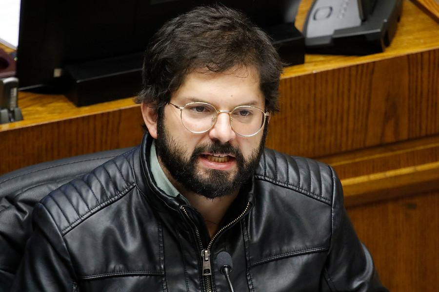 """Convergencia Social solo aplica """"amonestación privada"""" a Gabriel Boric"""