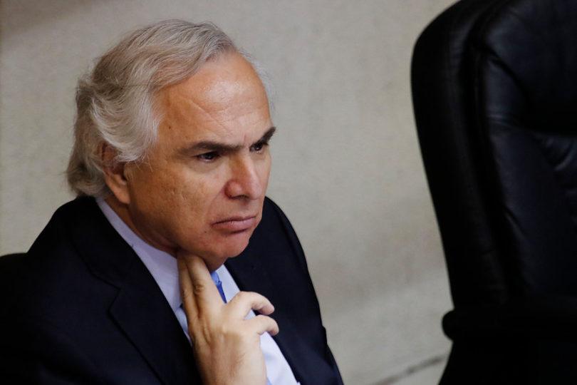 Senado aprueba acusación constitucional contra Andrés Chadwick