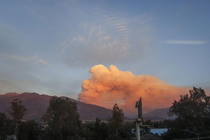 """Continúa Alerta Roja por incendio """"El Canelo"""" en San José de Maipo"""