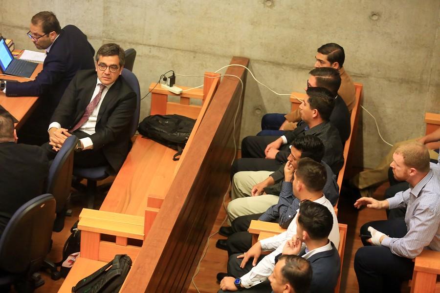 Tribunal suspende formalización de 12 carabineros acusados de tortura