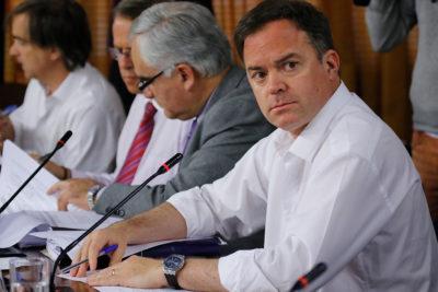 """Matías Walker por votación de proyecto constitucional: """"El PC hizo todo lo posible por dilatar la sesión"""""""