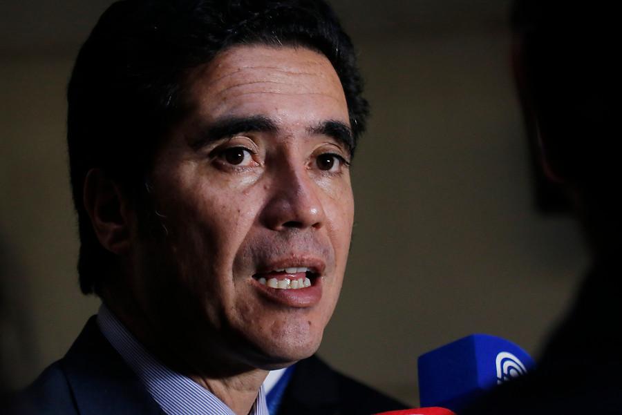 Ministro Briones pide retrasar 40 Horas: