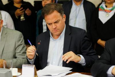 """""""Me sacó un poco de mis casillas"""": Matías Walker se disculpa con Juan Antonio Coloma tras hacerlo callar en la Comisión de Constitución"""