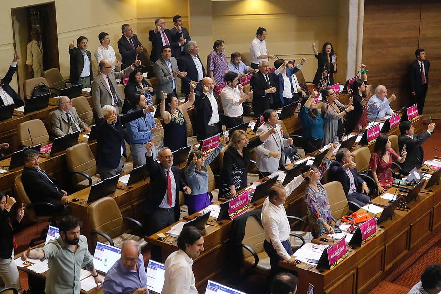 Cámara aprueba paridad de género, participación indígena e independientes en proceso constituyente
