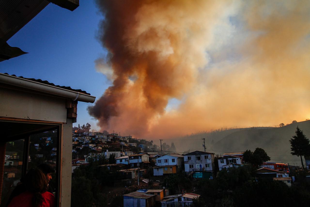 """""""Cómo y dónde deberán las autoridades reconstruir Valparaíso tras incendios"""""""
