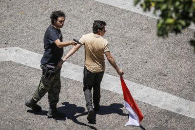 Sujeto apuntó con un arma de fuego a transeúntes en el centro de Santiago