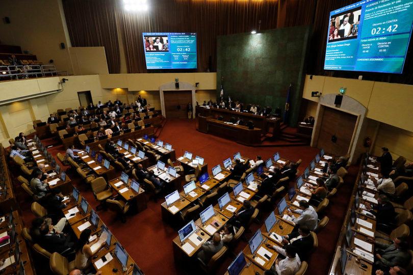 """""""Chao Dicom"""": Cámara aprueba idea legislar prohibición de informar deudas por educación"""