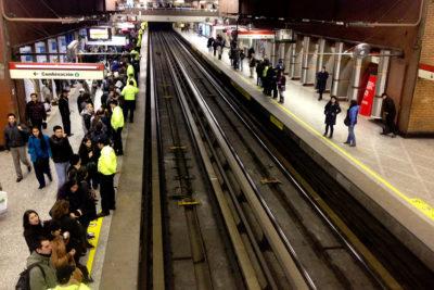 Procedimiento policial por objeto sospechoso obliga a cerrar estación Pajaritos