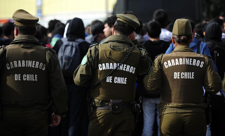 """""""Tres personas son formalizadas por golpiza a carabinero en centro de Santiago"""""""