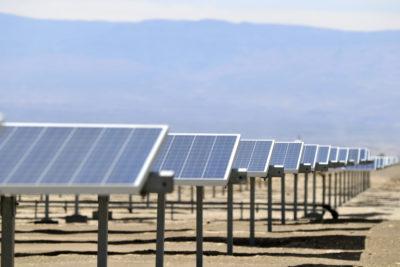 Chile en la cúspide de ranking mundial sobre oportunidades para proyectos renovables: ¿mantendrá el liderazgo tras la crisis social?