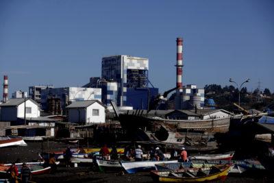 Ministro de Energía confirma cierre anticipado de centrales termoeléctricas
