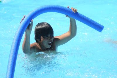 Temporada de piscinas: cómo evitar enfermedades en los niños